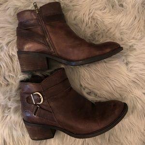 Born brown comfy boots